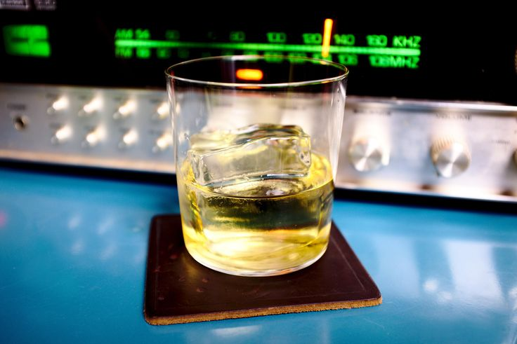 Too Cold in Chicago for a Sour Tonight: Rusty Nail #cocktails #drinks #HappyHour #food #sun #lunch #bar #London