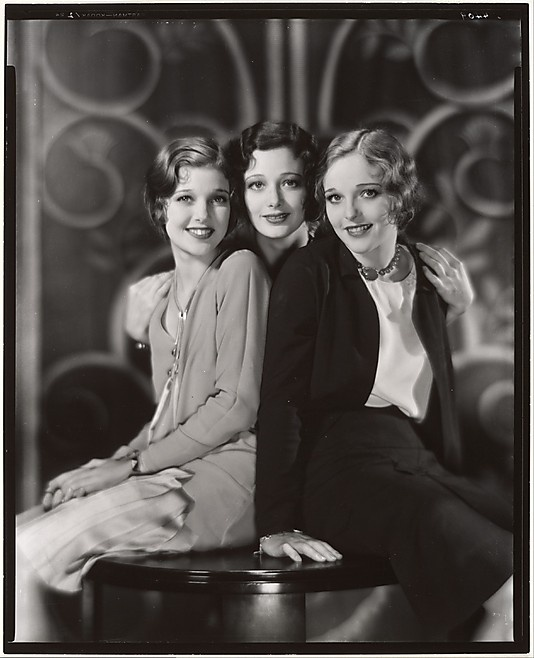 Loretta Young, Polly Ann Young and Sally Blane (they're sisters, a seriously gorgeous family). Photo by Nickolas Muray  (American, born Hungary, 1892–1965) via The Met