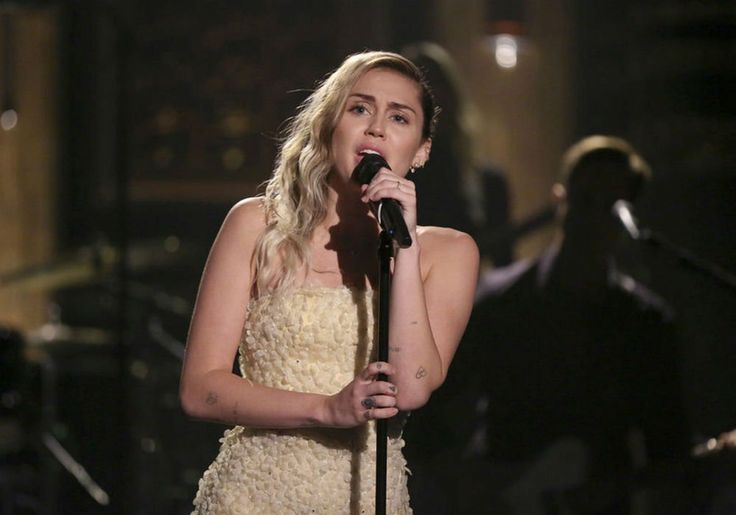 Watch Miley Cyrus Sing 'No Freedom' And 'The Climb' For Las Vegas Shooting Victims On 'The Tonight Show Starring Jimmy Fallon' #JimmyFallon, #MileyCyrus, #TheTonightShow celebrityinsider.org #TVShows #celebrityinsider #celebrities #celebrity #celebritynews #tvshowsnews
