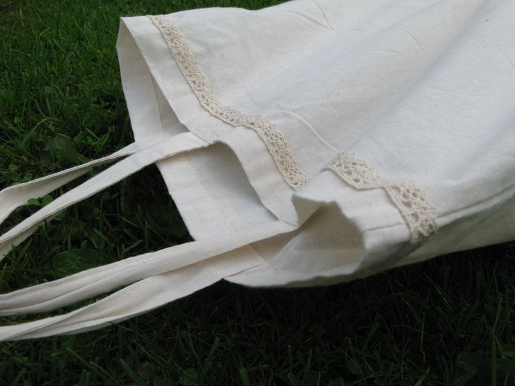 Simple to make lace edge on bag.