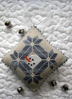snowman's quaker christmas from Midnight Stitching (freebie)