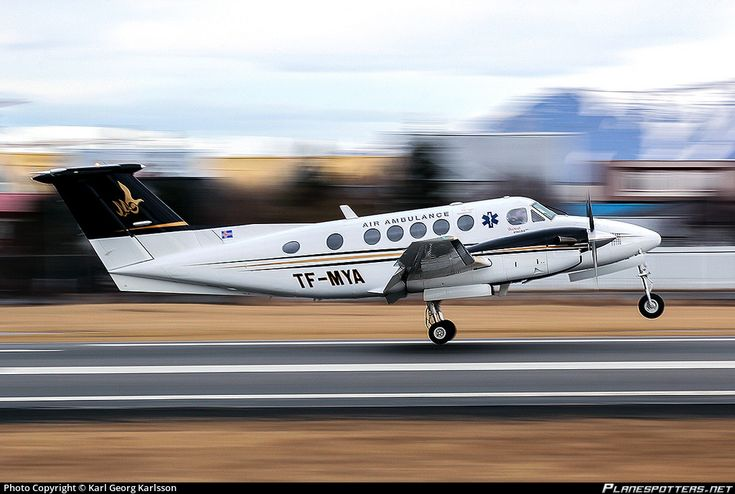 Myflug H.F. Beechcraft 200 King Air TF-MYA aircraft, on short finals to Iceland Keflavik International Airport. 03/03/2014.