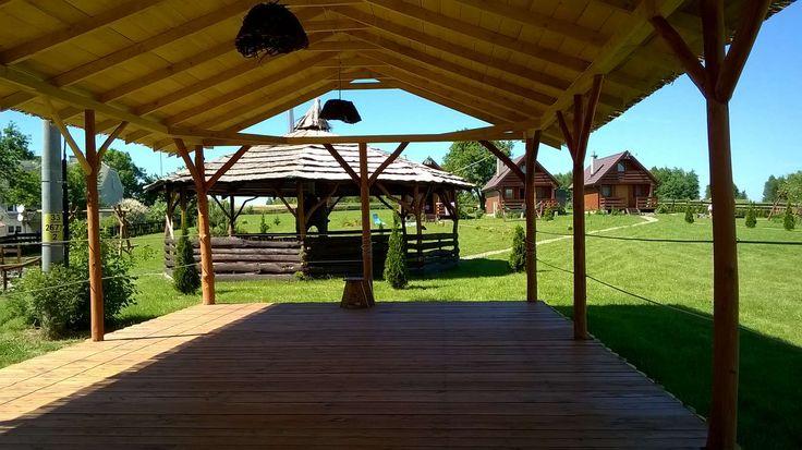 Zdjęcia ośrodka wypoczynkowego w Bieczu | Wczasy pod gruszą Zadaszony parkiet do tańczenia: http://www.domkiwbeskidach.pl/noclegi-jaslo.html