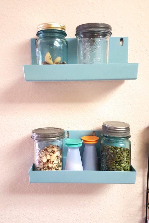 Vintage Midcentury Shelf Wall Decor Storage Bins von MaggieandNicky