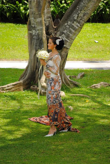 Traditional wedding dress, Bali, Indonesia by Sites around the world, via Flickr