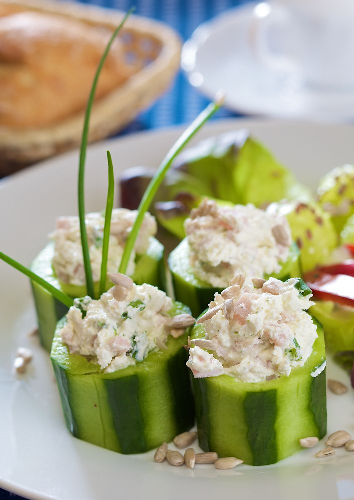 California Sushi Bites - Try these delicious California sushi bites! You can serve them as a refreshing appetizer for your guests or enjoy them as a snack or a light lunch. Servings: 6 to 8. Ingredients      	 1 large cucumber  	 1 avocado  	 8 oz crab meat  	 1 lemon, squeezed  	 1/2 cup mayonnaise  	 3 tsp...  - https://www.freshdailyhealth.com/2017/04/2017/california-sushi-bites/