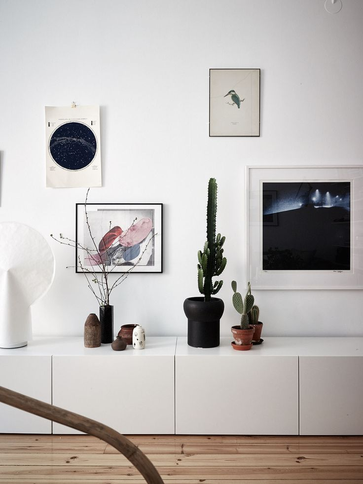 Personal decor & details in a Stockholm apartment via Historiska Hem | Photo by Fredric Boukari Follow Style and Create at Instagram | Pinterest | Facebook | Bloglovin