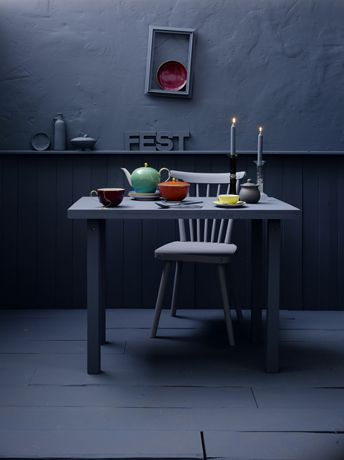 all grey with pops of colour (by Maria Grossman)
