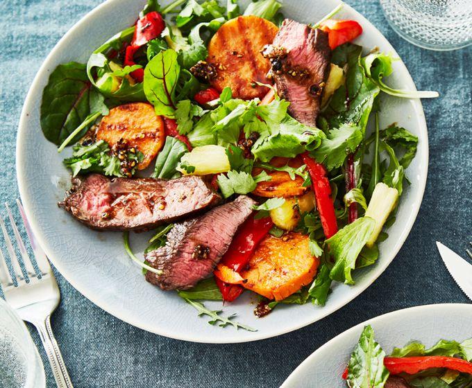 Salade van gegrilde flat iron steak