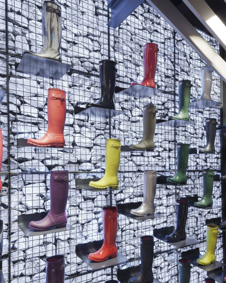 Hunter flagship store by Checkland Kindleysides, London   UK outdoor