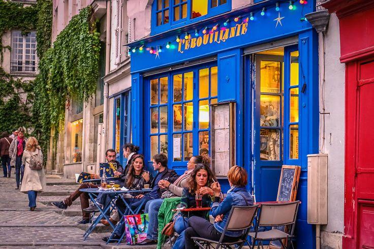 Un vrai lieu de quartier pour prendre un café ou un encas dans une ruelle piétonne, L'ébouillanté, 6 Rue des Barres 75004 Paris