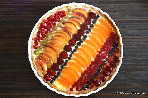 Tarta cu fructe si crema de vanilie reteta pas cu pas. Aluat fraged, crema fina de vanilie (budinca de casa) si multe fructe de sezon: capsuni, visine,