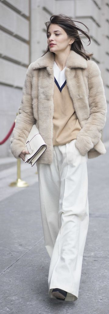 NYFW Stree Style: White pants, meanswear style