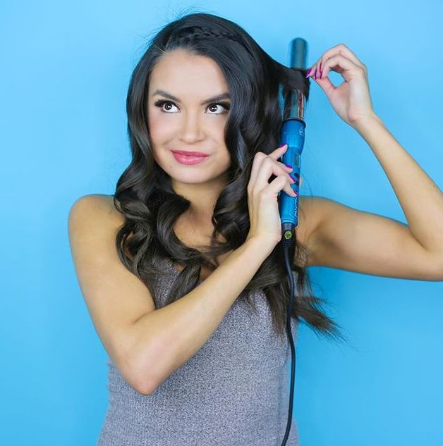 FINALLY I found a curling wand that doesn't damage my hair AND curls my hair in a fraction of the time. It took less than 20 minutes to curl my super thick hair. @shaunabaker