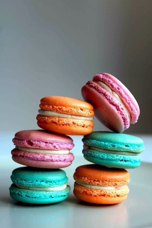 Macaroons | Sweets - Macaroons... Macaron....Whatever...They're Prett ...