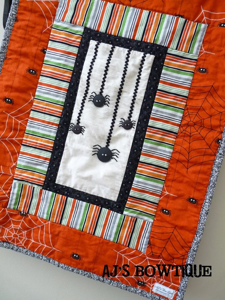 Itsy Bitsy Spiders Wall Hanging