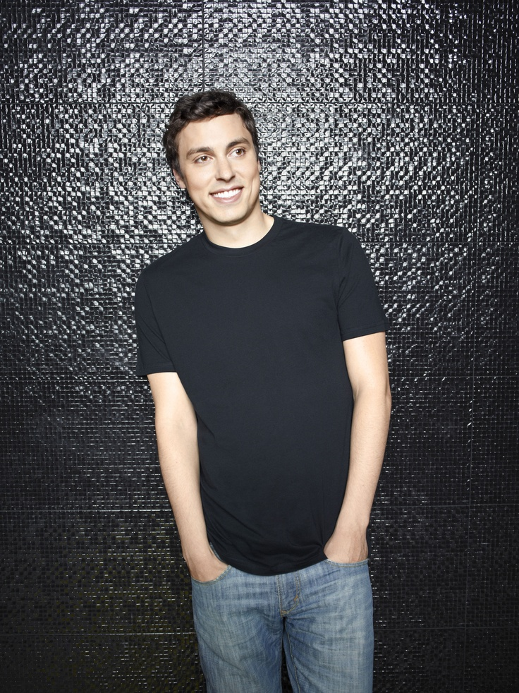 Bones - Fox So Fresh - John Francis Daley, looks like Caleb Burch, only with less muscles :)