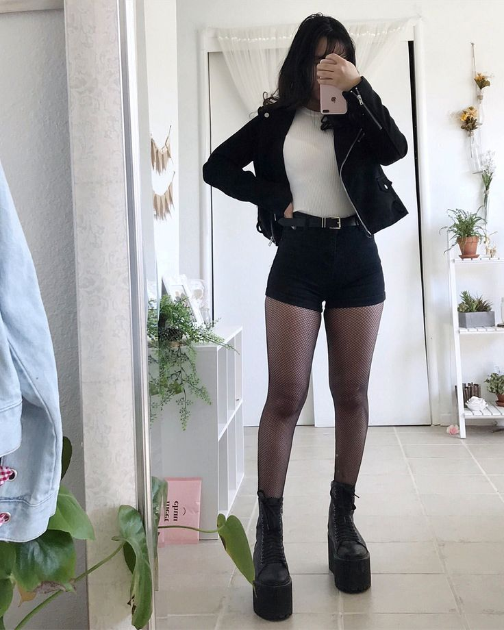 """6,234 Likes, 70 Comments - 「セレナ」 Serena Øberg  (@softchinadoll) on Instagram: """"I've honestly been feeling so cozy and wanting to just cozy up with a hot cup of cocoa."""""""