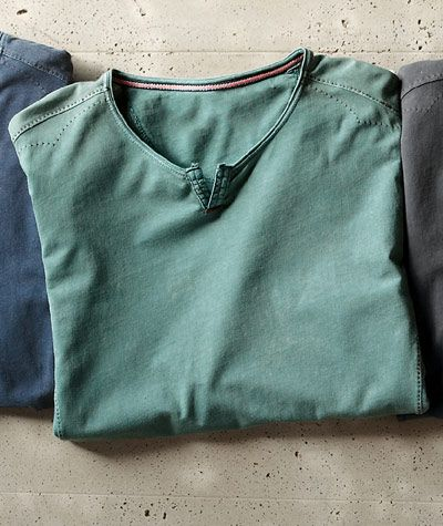 Look effortlessly cool with the Crossroads Tee from Carbon2Cobalt