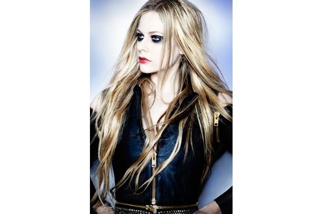 Avril Lavigne: New Album Is All Over The Place!