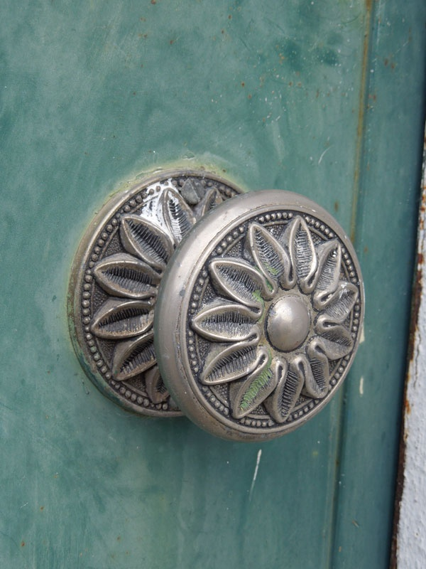 17 Best Images About Knock Knock Bathroom Doors And Knobs On Pinterest Mouths Denver And