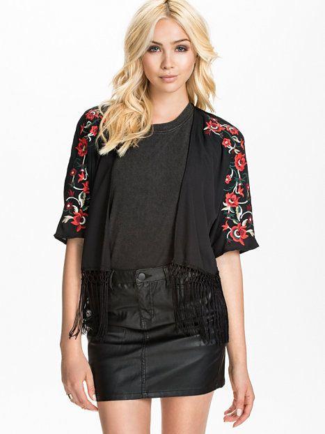 Embroided Fringe Kimono - Glamorous - Czarny - Bluzki Koszule - Odzież - Kobieta - Nelly.com