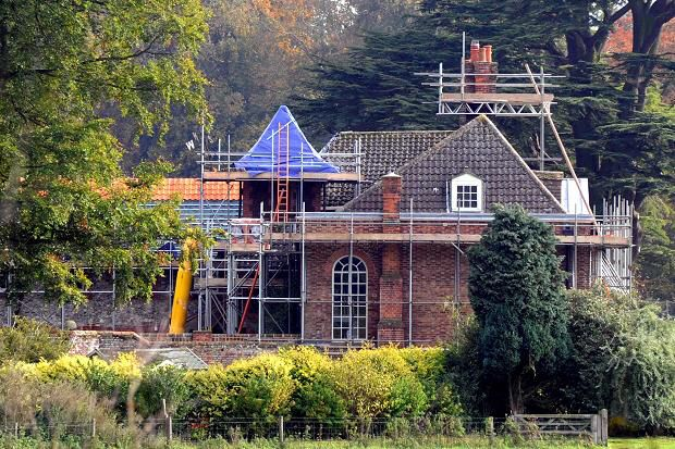 Kate middleton and prince william are making plans to move for Anmer hall