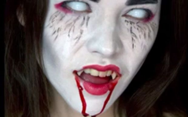 If you're looking for a last-minute Hallowe'en costume idea, this make up   tutorial demonstrates how easy it is to create a spooky Vampire look