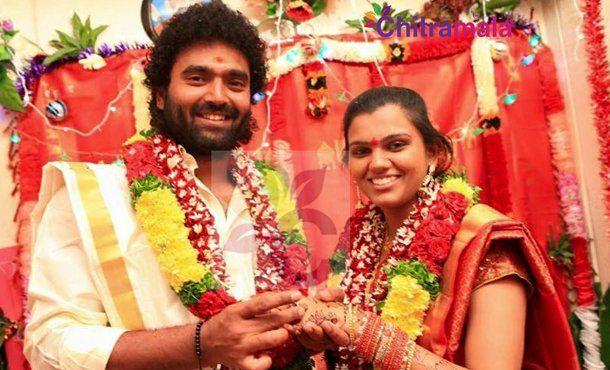 Raghu Master and Singer Pranavi Gets Engaged