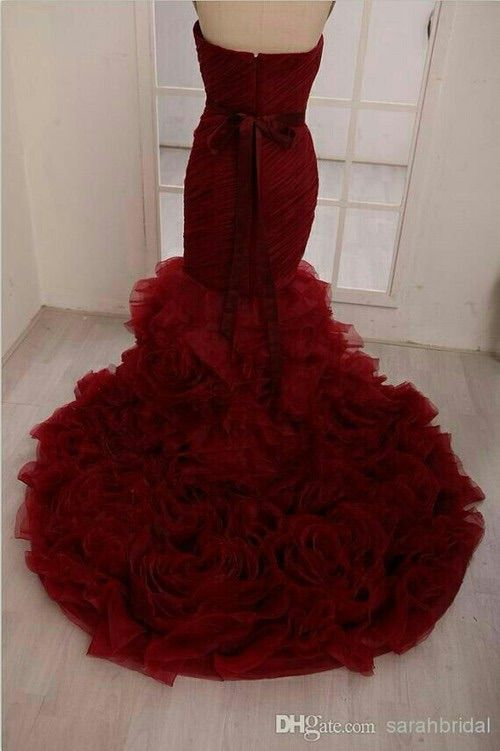 Image via We Heart It #dresses #gown #Prom #red #velvet
