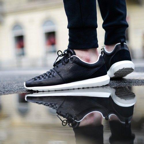 Nike Roshe One Noir Fluo