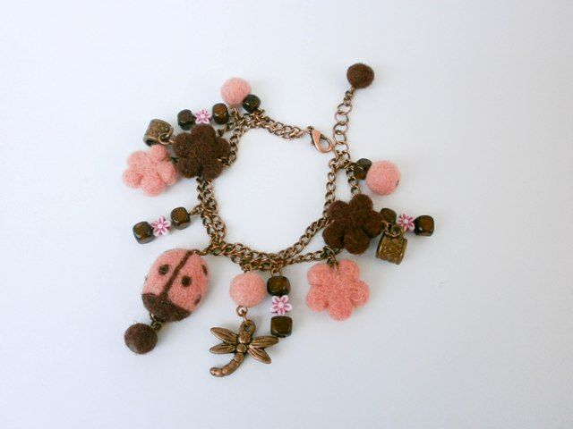 Chain bracelet with needle felted elements