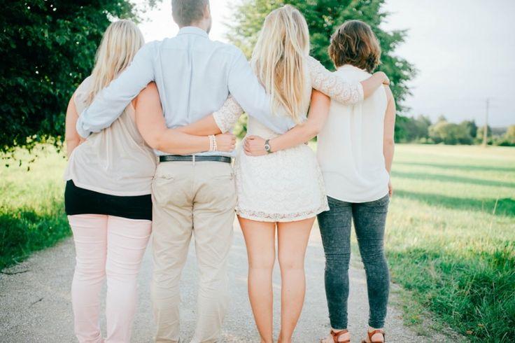 Trauiger wäre das Leben und trister ohne die Liebe und Treu' der Geschwister.