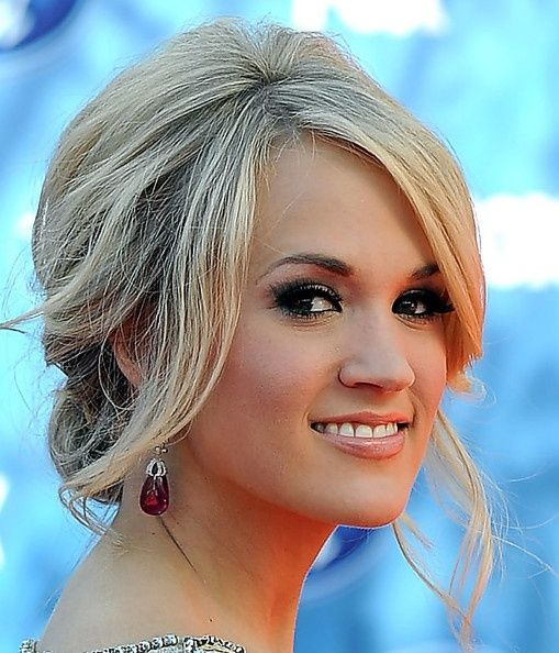 carrie updo - she always looks fabulous
