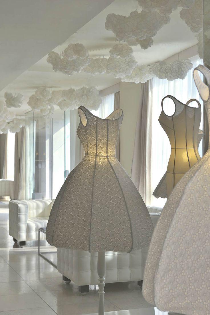 J'adore ces petits nuages au plafond... Maison Moschino, Milan