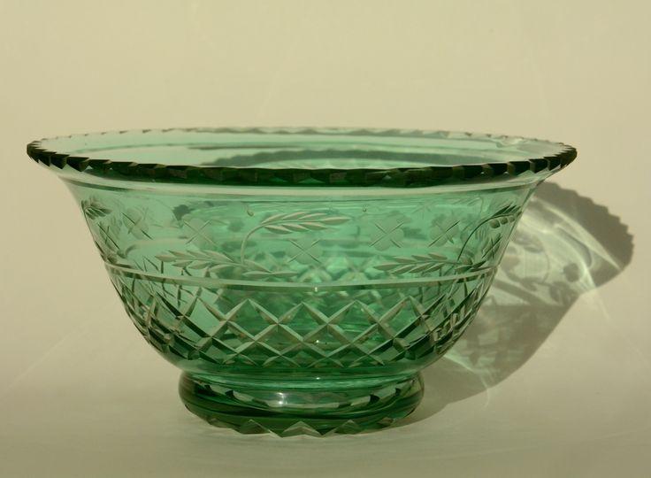 Varajane Tarbeklaas: väga haruldast värvi Helga Kõrge kauss, eAntiik