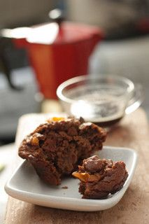 Chocolate Persimmon Muffins Makes 8 to 10 muffins Adapted from Good to the Grain by Kim