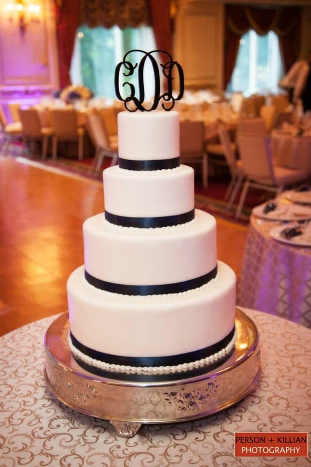 Boston Wedding Photography, Boston Event Photography, Classic Wedding Cake, Classic Black and White Wedding Cake, Black and White Tiered Wedding Cake, Wedding Cake with Monogram, Elegant Boston Wedding Cake, Taj Boston Wedding Cake