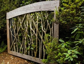Wicked branch gate or trellis. I want one!!! Can we say NEW project!!!
