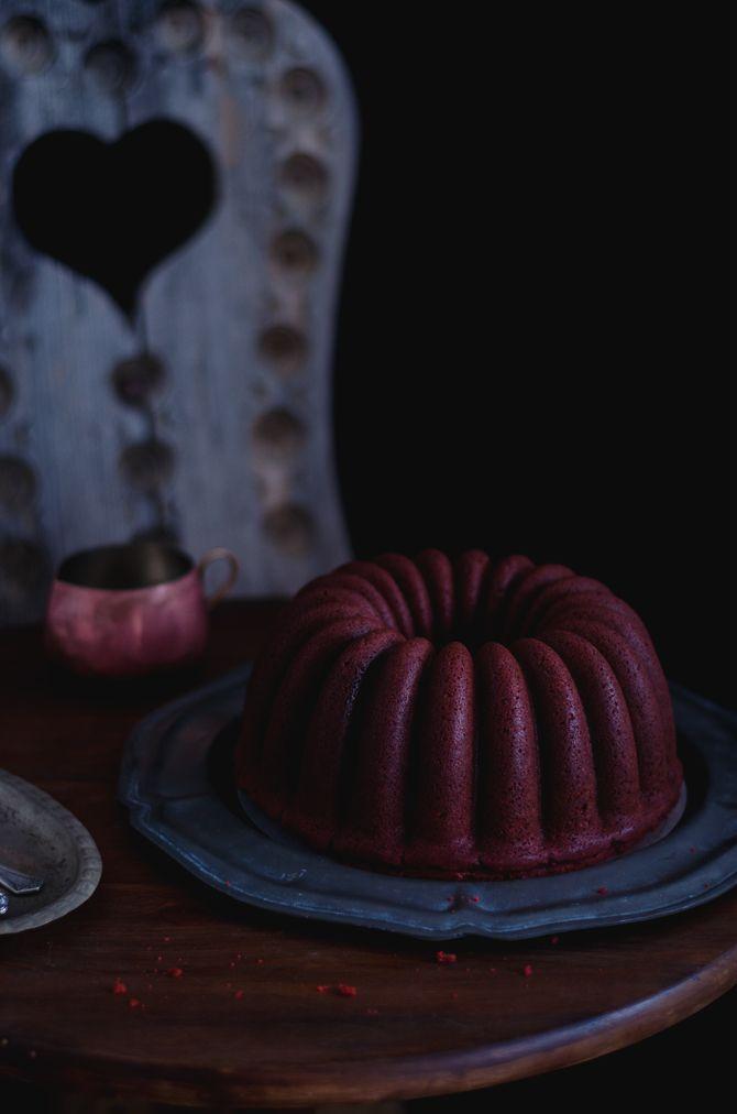 Coco e Baunilha: Bolo bundt Red Velvet com creme de coco // Red Velvet bundt cake with coconut cream