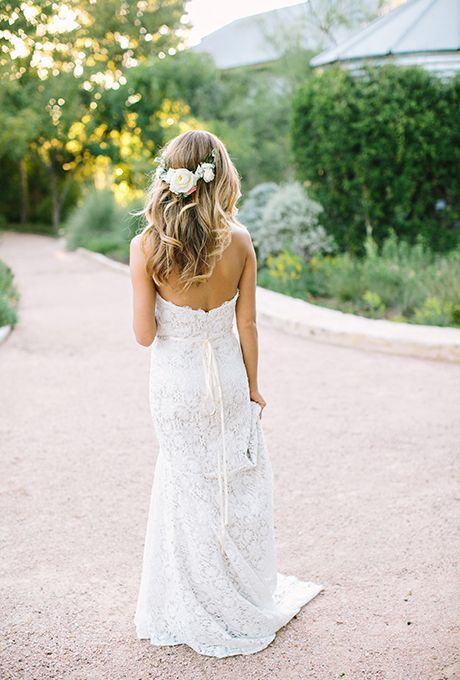 Put garden roses in your hair for a romantic look | Brides.com