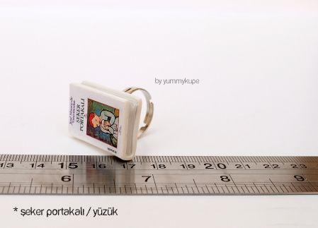 Şeker Portakalı Kitap / Yüzük  #fashion #design #miniature #food #art #miniaturefoodart #polymerclay #clay #minyatur #polimerkil #kil #nutella #tasarim #taki #sanat #moda #sokak #tutorial #yummykupe #mold #kalip #nasil #bileklik #kolye #kupe #yuzuk #aksesuar #kadin #ring #earring #accesorie #necklace #special #custom #books #sekerportakali #josemauro #seker #portakali