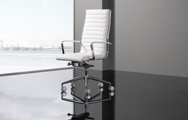 Trinity Chair. The latest addition to the Dileoffice executive family, a proprietary design that speaks for itself. Trinity Chair represents the essence of the 21 century, the welcome to the future that was just around the corner. Enveloping lines and outlines that enclose the strength of steel and the smoothness of its finishes. Balance between form and matter.    TRINITY, a collection comprising high, low and guest chairs with a captivating strength that will leave nobody indifferent.