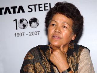 Bachendri Pal: 1st Indian woman to climb Mt. Everest.