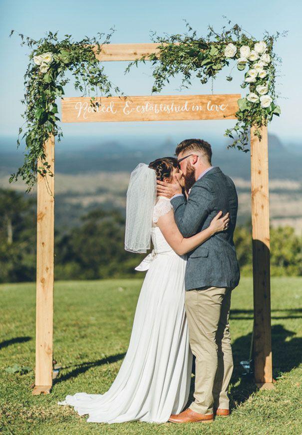 QLD-stories-by-ash-queensland-wedding-gold-wreath-bride