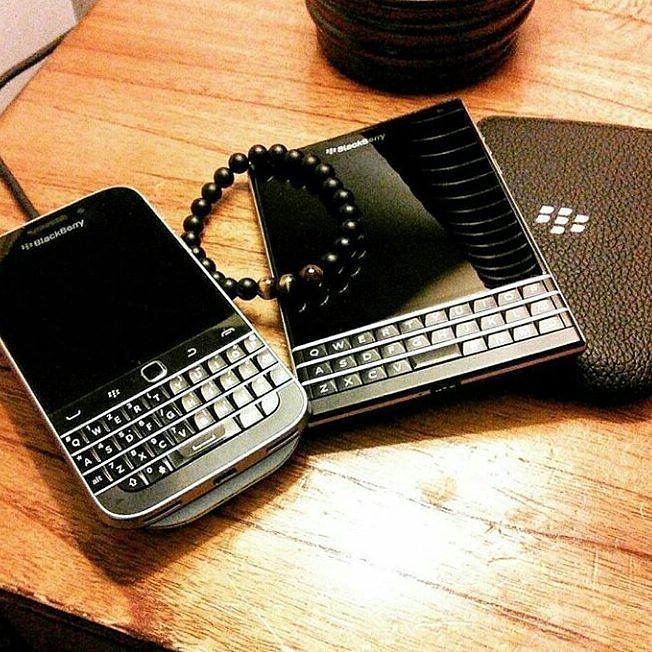 "#inst10 #ReGram @smartmoon0122: Bold or Passport?    #Black #Blackberry #Passport #Priv #Smartphone #Google #Android . . . . . . (B) BlackBerry KEYᴼᴺᴱ Unlocked Phone ""http://amzn.to/2qEZUzV""(B) (y) 70% Off More BlackBerry: ""http://ift.tt/2sKOYVL""(y) ...... #BlackBerryClubs #BlackBerryPhotos #BBer ....... #OldBlackBerry #NewBlackBerry ....... #BlackBerryMobile #BBMobile #BBMobileUS #BBMobileCA ....... #RIM #QWERTY #Keyboard .......  70% Off More BlackBerry: "" http://ift.tt/2otBzeO ""…"