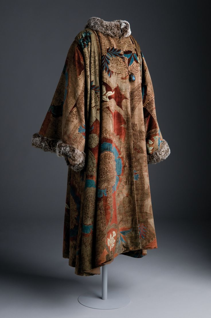 Google Image Result for http://www.illusiocreative.co.uk/wp-content/uploads/Mariano-Fortuny.jpg