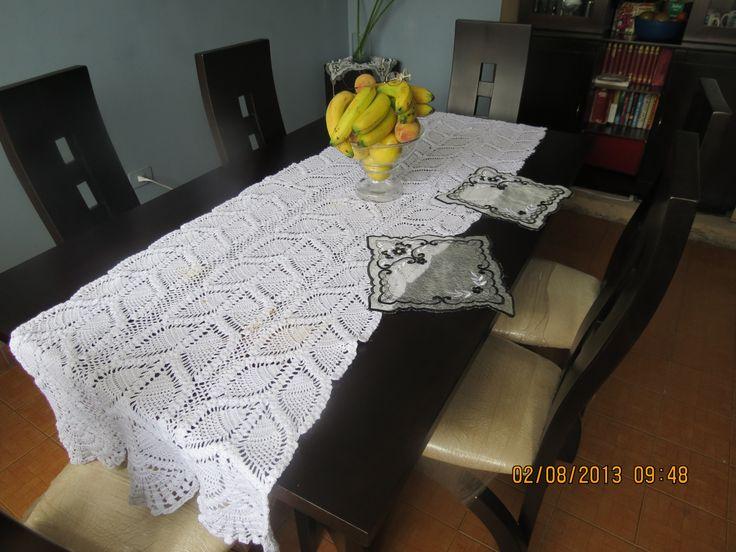Camino en crochet para centro de mesa con figuras de - Manteles para mesa ...