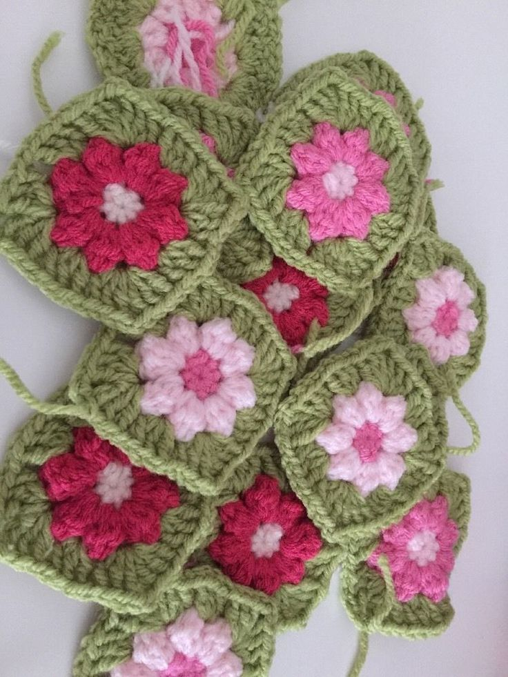 30 Granny Squares Vintage Green And Pinks, Stunning  | eBay
