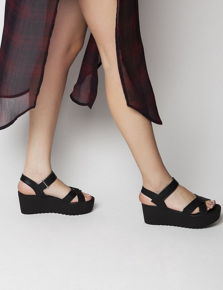 Kagney Black Leather Pattern Platforms S/S 2015 #Fred #keepfred #shoes #collection #leather #fashion #style #new #women #trends #black #platfoms #wedges